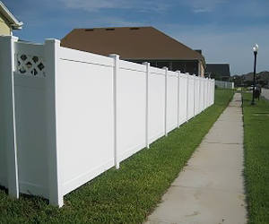 White PVC Fences in Orlando, FL